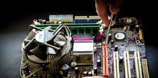המחשב מרעיש, למי מתקשרים? טכנאי מחשבים