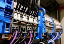 טיפים לגילוי בעיות חשמל בבית