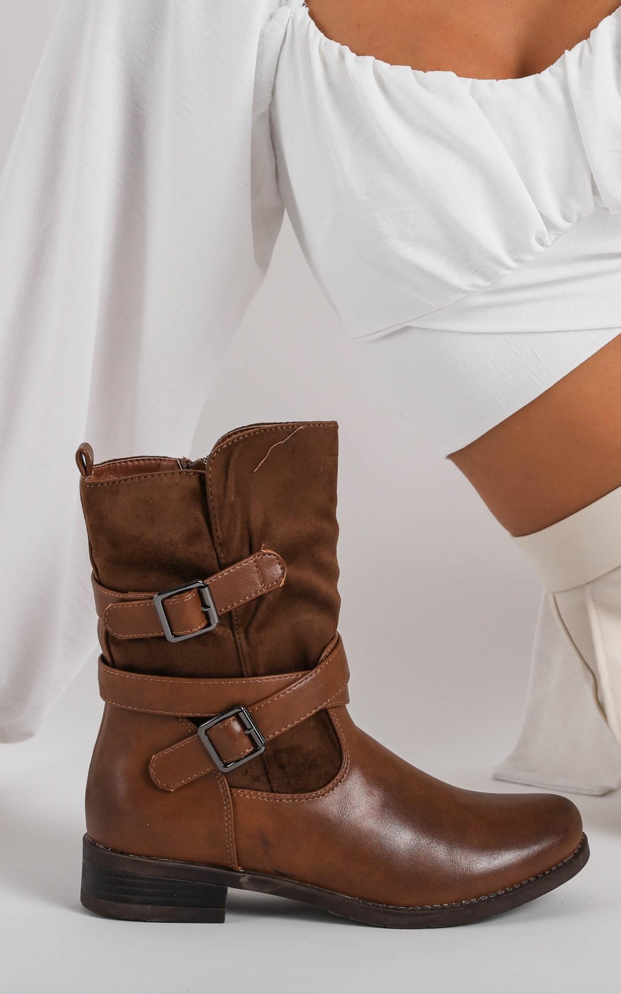 מבצע חנוכה ברשת נעלי סקופ צילום בר שניר